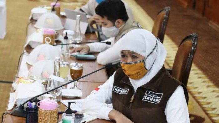 Pemprov Jatim Imbau Salat Idul Fitri di Rumah, Berikan Kaifiah Salat hingga Khutbah Secara Online