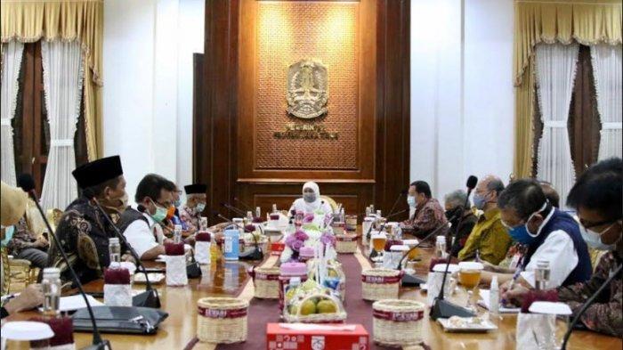 Atasi Klaster Covid-19 di Pabrik Pengolahan Udang, Gubernur Khofifah Panggil Bupati Bondowoso