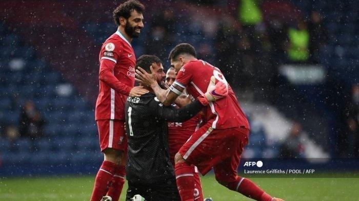 Kiper Liverpool Alisson Becker Berlimpah Rekor Serba Pertama Usai Cetak Gol ke Gawang West Bromwich