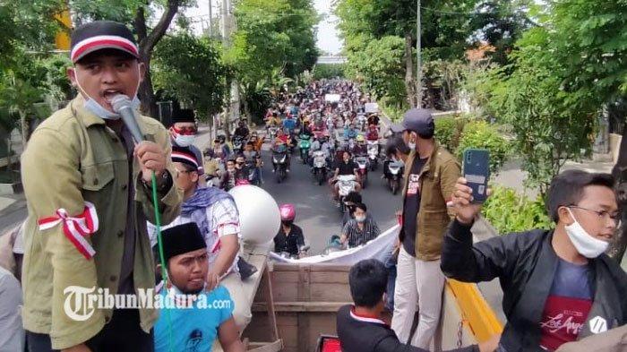 Demo di Depan Kantor Wali Kota Surabaya, Pendemo Minta Libatkan Tokoh dalam Membuat Kebijakan