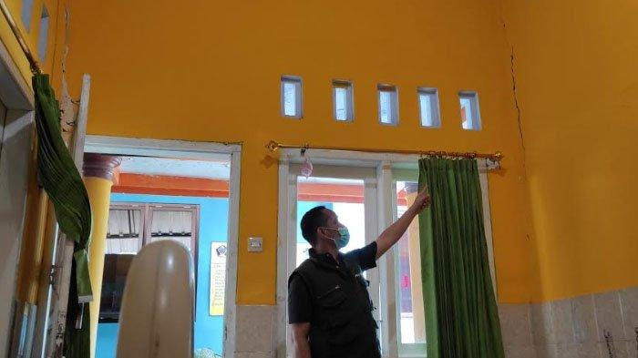 Puskesmas Wates Kabupaten Blitar Rusak Cukup Parah Diguncang Gempa, Ruang Rawat Inap Dikosongkan