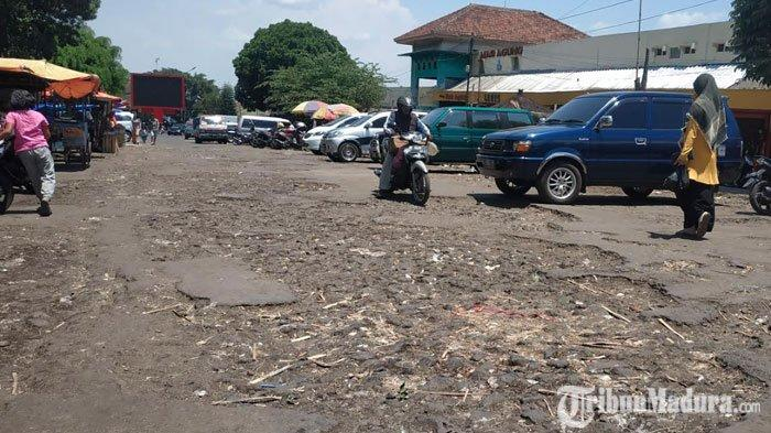 Pedagang Tuntut Pemkot Batu Perbaiki FasilitasPasar Besar Batu, Pertanyakan Larinya Uang Retribusi