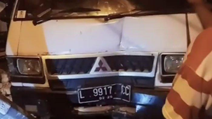 Kronologi Mobil Pikap di Sampang Seruduk Toko, Akibat Pengendara Motor Honda Vario Belok Mendadak