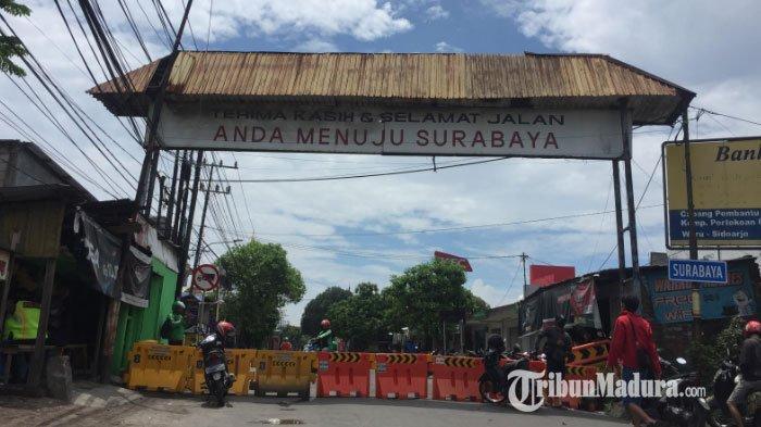 Antisipasi Penyebaran Virus Corona, Pondok Tjandra Perbatasan Surabaya – Sidoarjo Ditutup Warga