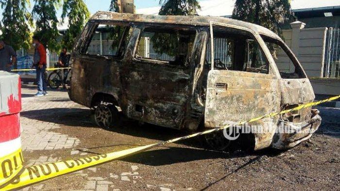 Mobil Terbakar saat Isi Bensin di SPBU Karangketug Kota Pasuruan, Pemilik: Api Muncul dari Belakang