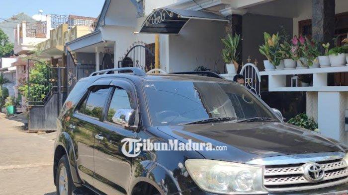 Penyidik KPK Obok-Obok Rumah Kepala Dinas PMPTSP Kabupaten Probolinggo