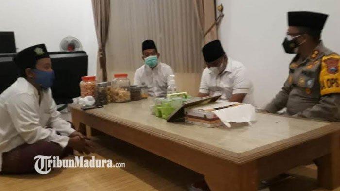 Kapolres Bangkalan AKBP Alith Alarino Sowan ke Ulama, Ungkap Pentingnya Sosialisasi Bahaya Covid-19