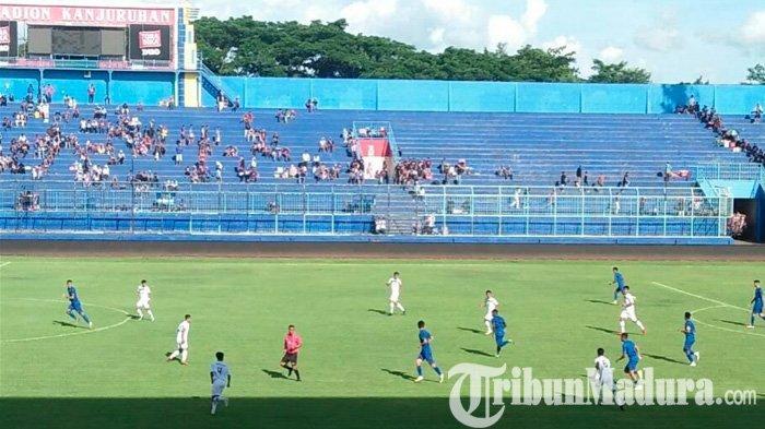 Arema FC Vs Semeru FC Mirip Kompetisi Resmi, Aremania Antusias Pemain Asing Debut : Skor Sama Kuat