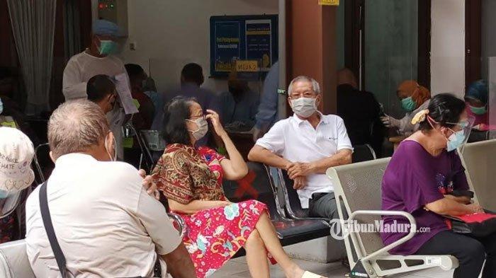 Vaksinasi Covid-19 Khusus Lansia di Surabaya Digelar Hari ini, Pemkot Target 26 Ribu Orang Divaksin