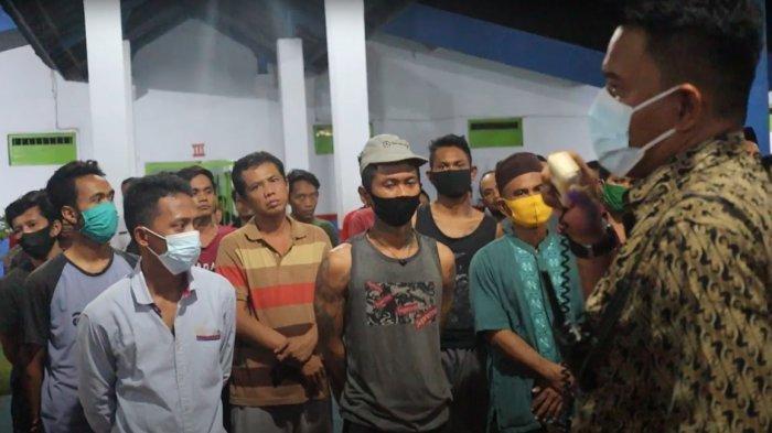 Muncul Asap, Warga Binaan Lapas Surabaya Berhamburan Keluar Blok