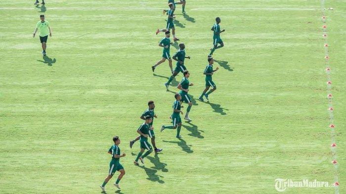 Latihan tertutu Persebaya Surabaya di Stadion Gelora Delta Sidoarjo, Jumat (20/3/2020)