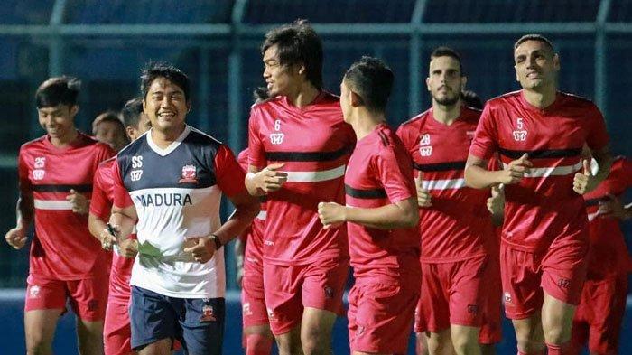 Madura United Vs Persija Jakarta Sama-sama Tanpa Diperkuat Dua Pilar, Begini Peluang Sapeh Kerrab