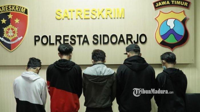Sok Jagoan di Jalanan, Lima Anggota Gangster Sidoarjo Ciut di Hadapan Polisi, Ulahnya Resahkan Warga