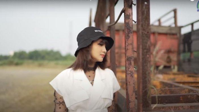 Download Lagu MP3 'Ditinggal Pas Sayang-Sayange' Jihan Audy versi Dangdut Koplo 2021, Lengkap Lirik