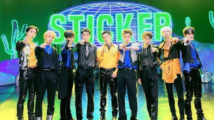 Terjemahan Lirik Lagu Sticker - NCT 127, Ceritakan Sepasang Kekasih Terus Bersama seperti Stiker
