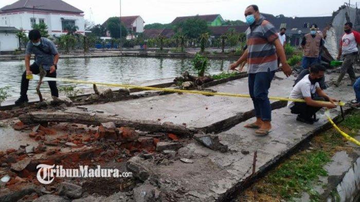 'Tolong' Teriak Bocah Saat Lihat Temannya Tewas Tertimpa Tembok Pagar Saat Main Hujan-Hujanan