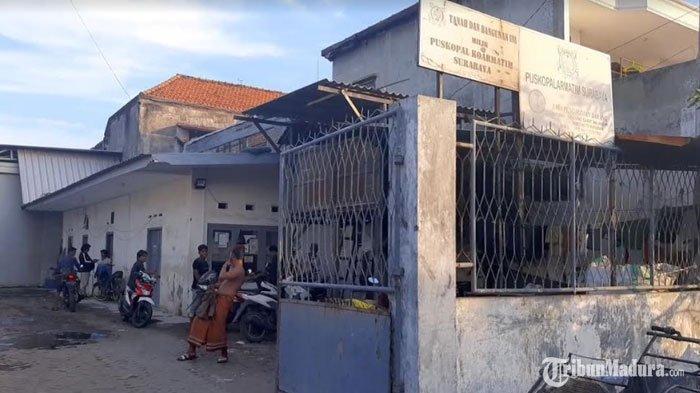 3 Pekerja Jasa Ekspedisi di Surabaya DitangkapDensus 88, Warga Dengar Selongsong Peluru Terjatuh