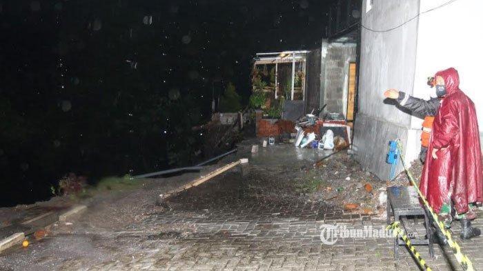 Lokasi tanah longsor yang terjadi di Bunulrejo Kota Malang, Senin (18/1/2021).