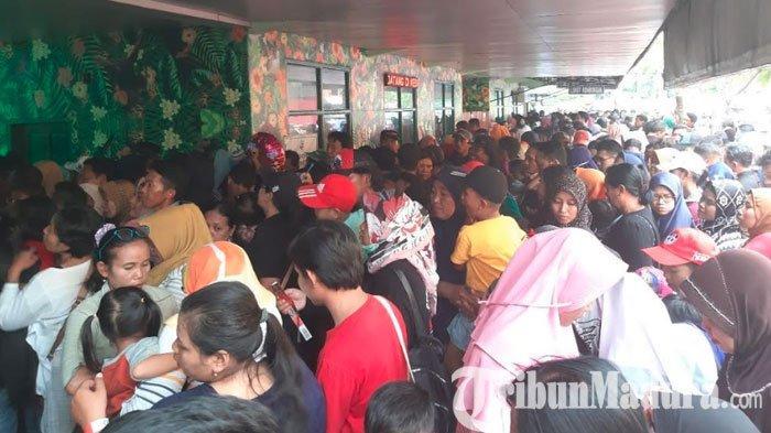 Libur Natal dan Tahun Baru,Kebun Binatang Surabaya Ramai Pengunjung, Hindari Hari Puncak Liburan