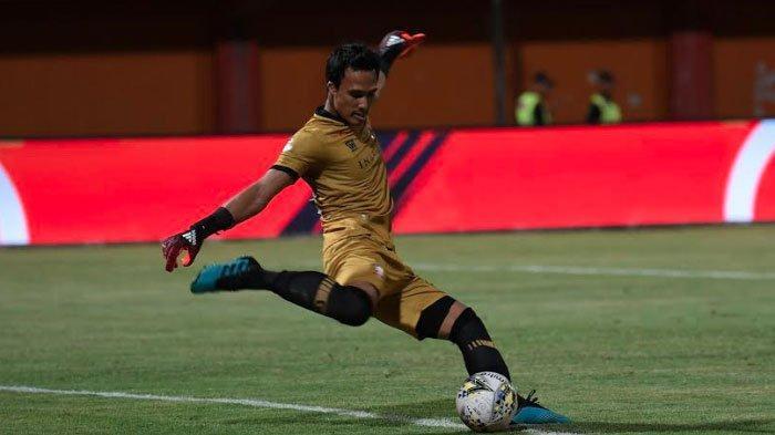 BREAKING NEWS:Madura United Tertinggal Sementara dariBarito Putera Lewat Titik Putih