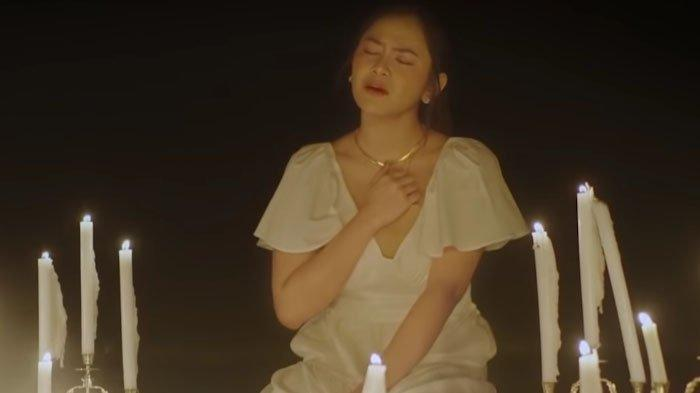 Chord Gitar dan Lirik Lagu Melawan Restu dari Mahalini, Lengkap dengan Link Video Musik di YouTube