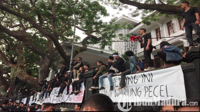Kuliah Tak Dibatasi Dinding Tembok, Dosen dan Dekan Kampus di Kota Malang Dukung Aksi Mahasiswa