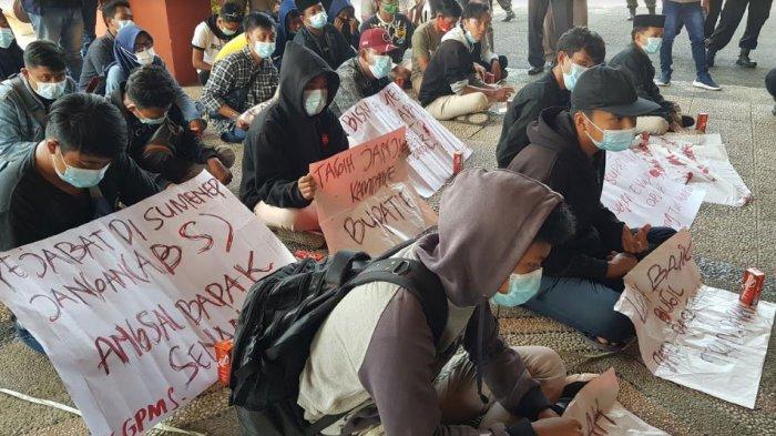 Penyaluran Bantuan Sosial Dinilai Tak Tepat Sasaran, Mahasiswa Beri Rapor Merah 9 OPD Pemkab Sumenep