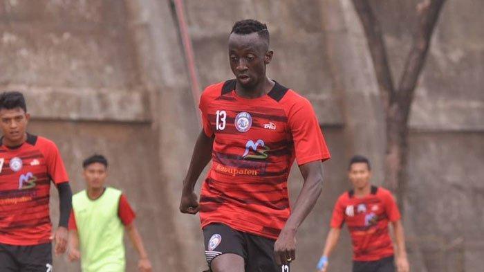 Perpanjangan Kontrak dengan Arema FC Alot,Makan Konate Dikabarkan Berlabuh ke Persib Bandung