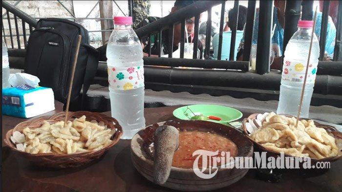 Mencicipi Kuliner Nikmat Khas Sumenep Pentol Tahu Dhulit, Petis Madura Jadi Ciri Khas