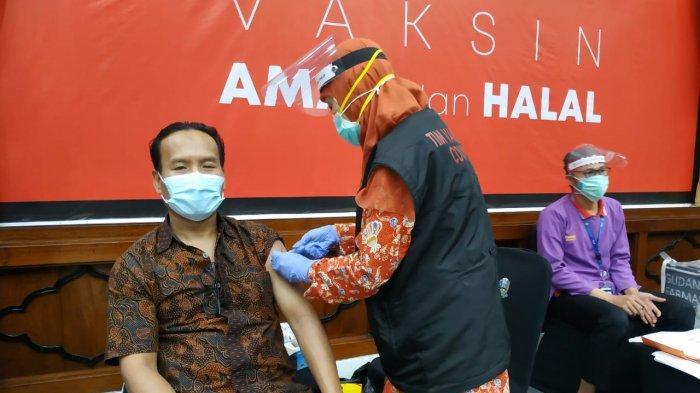 Vaksinasi Covid-19 Gelaran PWI dan Pemerintah Provinsi Jawa Timur Diikuti 442 Wartawan