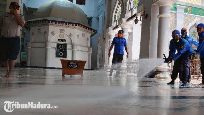 Masjid Agung Tuban Meniadakan Pelaksanaan Salat Idul Fitri, Begini Penjelasannya