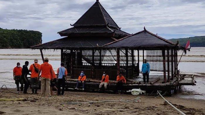 VIRAL Masjid Tetap Kokoh MeskiTerombang Ambing di Lautan Berjam-Jam, Hanyut Terbawa Arus Sungai