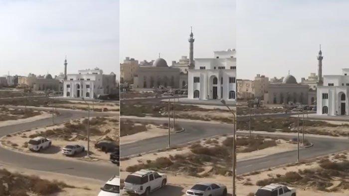 VIRAL VideoMuazin Menahan Tangis Lantunkan Azan Agar Tak Berjamaah di Masjid: Salatlah di Rumahmu