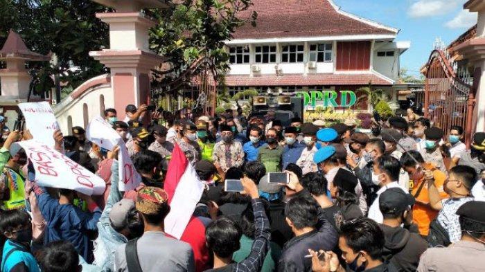Dugaan 'Drama' Politik DPRD dan Bupati Pamekasan, Termasuk Soal Pemboikotan Sidang Penetapan APBD