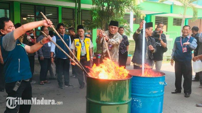 Sejumlah Barang Sitaan Jemaah HajiEmbarkasi Surabaya Dimusnahkan, Ada Obat Tradisional hingga Kuat