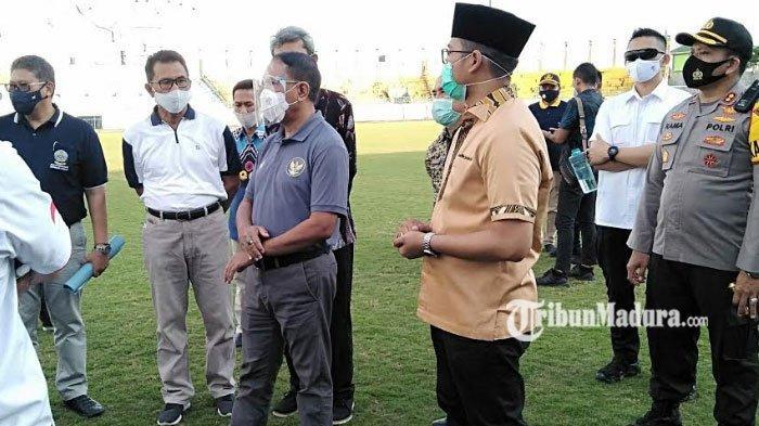 Selain Surabaya, Menpora Juga Pantau Persiapan Stadion Gelora Bangkalan untuk Persiapan Piala Dunia