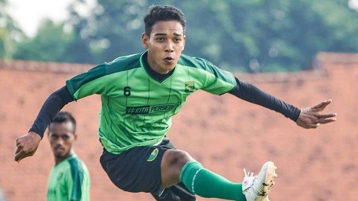 Resmi, Eks Persebaya Hijrah ke Madura United, Kontrak Misbakhus Solikin Sudah Beres, RD Beri Selamat