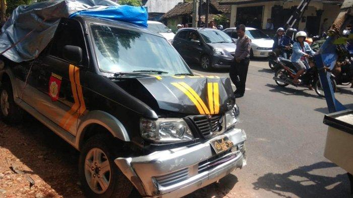 Mobil Polisi di Kota Malang Tabrak Pengendara,Kasat Lantas Polresta Malang Kota Beber Faktanya