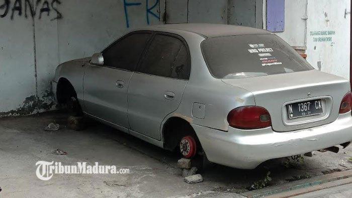 Marak Aksi Pencurian Ban Mobil di Malang, Pelaku Menyasar Mobil Diparkir di Jalan, Polisi Buka Suara