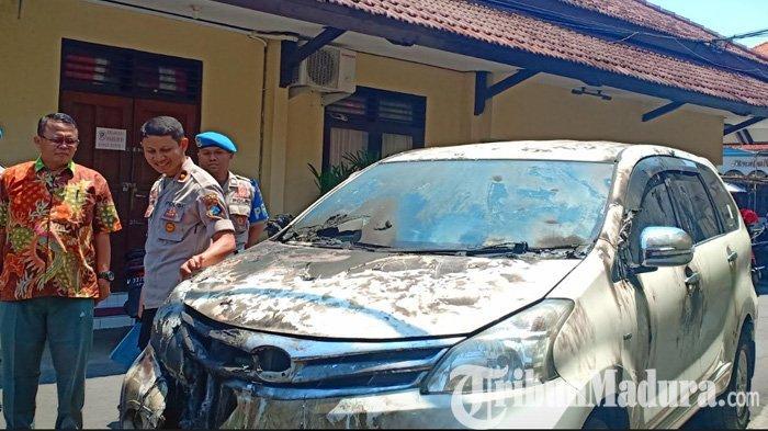 Cinta Ditolak Anak Pak Lurah, Pemuda ini Beli BBM Pertamax Lalu Bakar Mobil Toyota Avanza