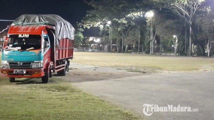 Polres Pamekasan Terima Barang Bukti Truk Pengangkut 120 Karung Tembakau Jawa dan 15 Karung Cengkeh