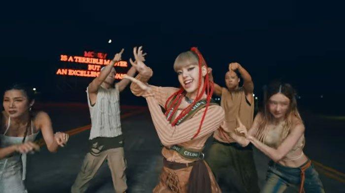 Lirik Lagu 'MONEY' Lisa BLACKPINK, Video Performance Trek Kedua Album LALISA Tayang di Youtube