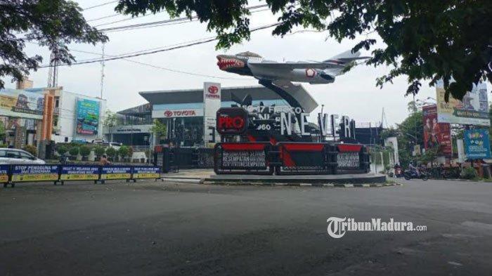Monumen Pesawat Jalan Soekarno Hatta Kota Malang Dipasang Iklan Rokok, Satpol PP Cek Izin Pemasangan