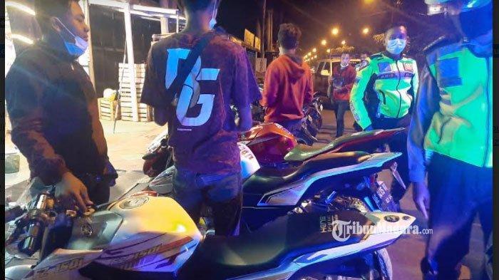 Pemuda di Ponorogo Ngabuburit Sambil Balap Liar, Aksinya Dibubarkan Polisi, Sedang Motornya Disita