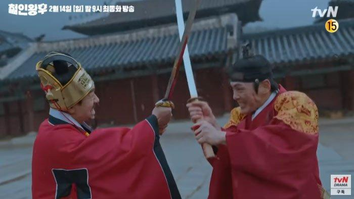 Mr Queen episode 20 -  pertempuran sengit Raja Cheoljong melawan Kim Hwa Geun