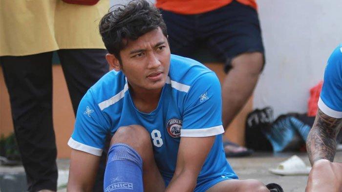 Dua Mantan Pemain Arema FC kePersebaya,Aji Santoso Bantah Telah BajakMakan Konate dan Nasir