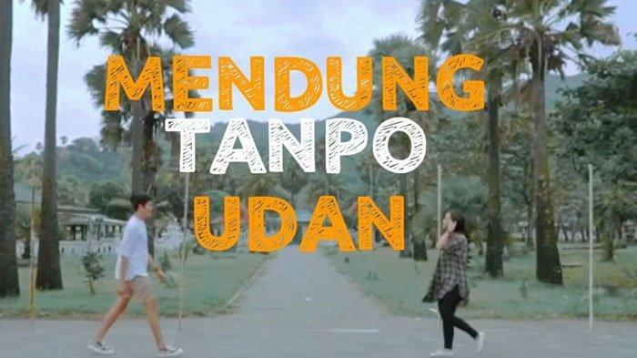 Trending Tiktok Chord Gitar Lirik Mendung Tanpo Udan - Ndarboy Genk: Awak Dewe Tau Nduwe Bayangan