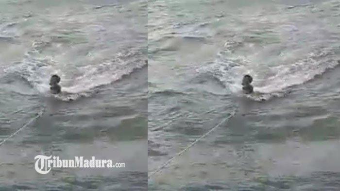 Nelayan ini Langsung Cium Kaki Ayahnya Saat Tiba di Rumah, Usai 5 Hari Terombang-Ambing di Laut