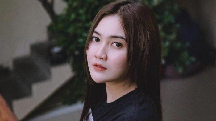 Download MP3 Kumpulan Lagu Nella Kharisma, Dangdut Koplo Enak Didengar, Istri Setia hingga Sayang 2