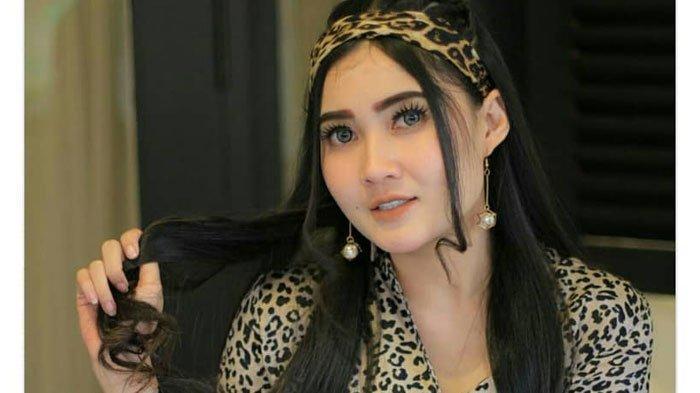 BREAKING NEWS -Nella Kharisma Lapor Pemilik Akun Facebook ke Polda Jatim, Dituduh Selingkuhan